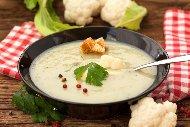 Рецепта Крем супа с карфиол, картофи и готварска сметана